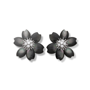 Rose de Noël earrings, small model, Gold-VCARA54600-Van Cleef & Arpels
