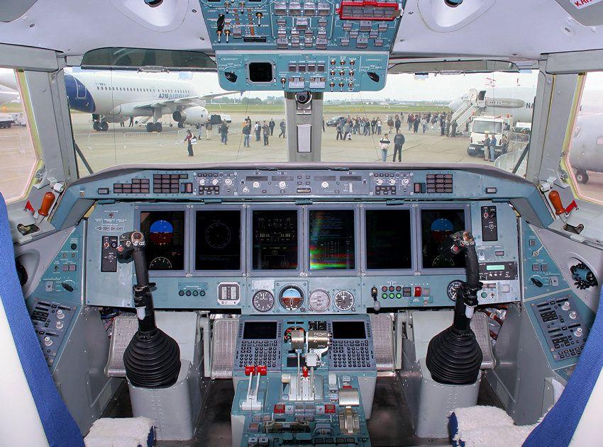 Beriev BE-200 - Cockpit