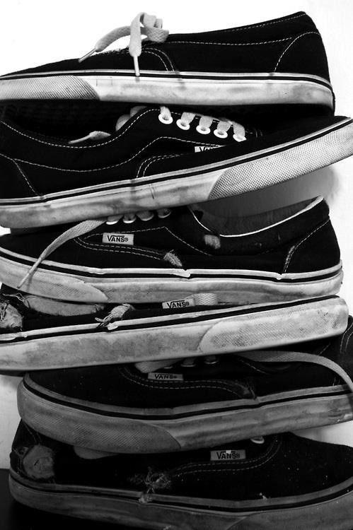 new style 3cd73 8ad2b Vans Era stack. via tumblr