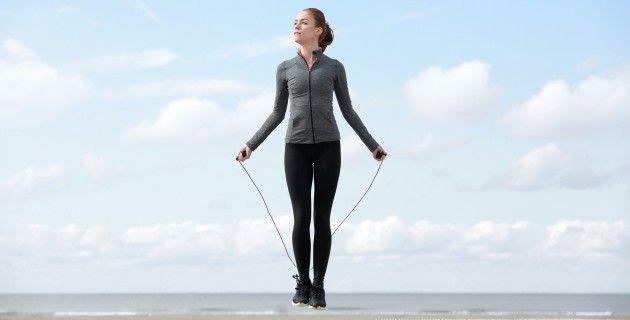 Упражнения со скакалкой для начинающих и профи ...