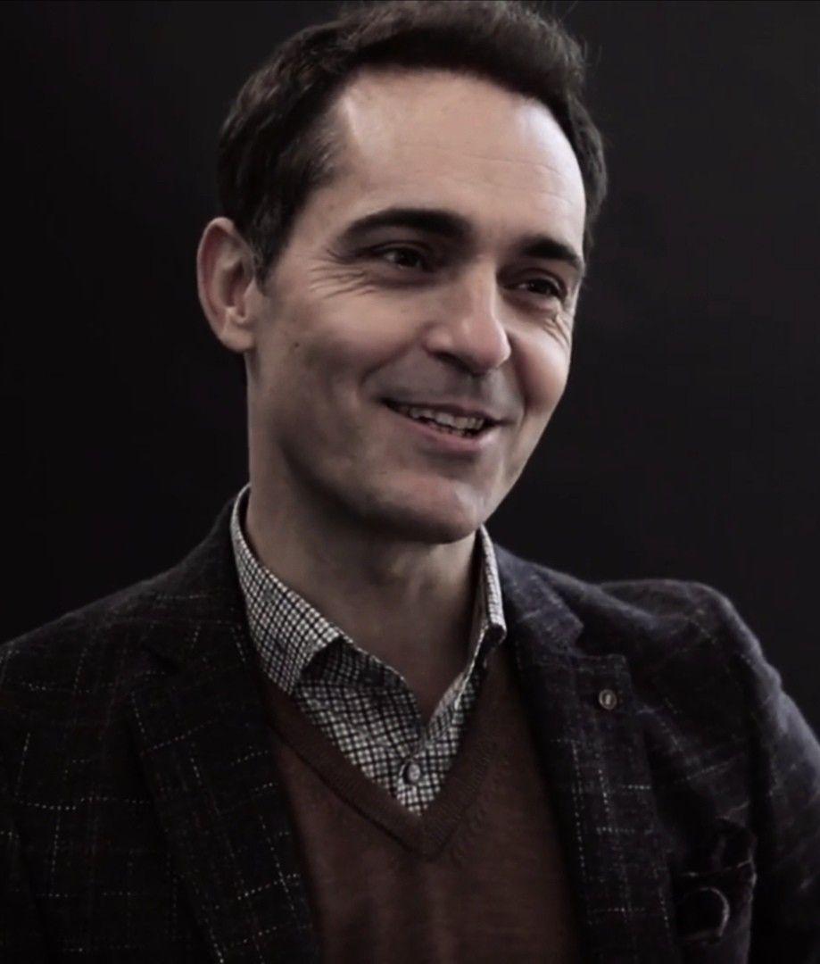 Pedro Alonso smiling 🙈🖤