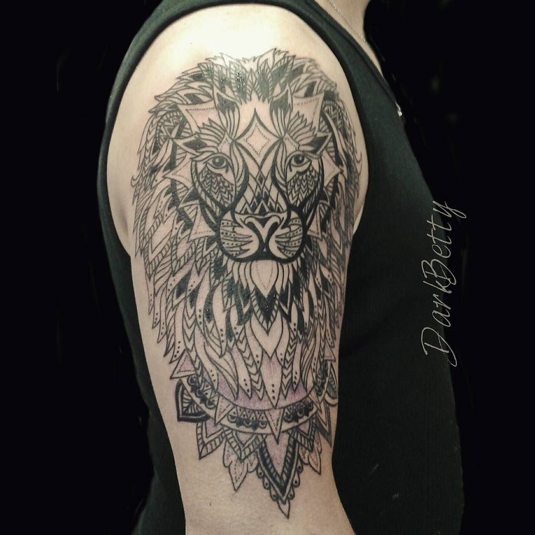 Work in progress  First session  #liontattoo #mandala #dotworktattoo #dotwork #tattooartist #blackandgrey #geometrictattoo #lion #mandalatattoo by darkbetty.tattoo