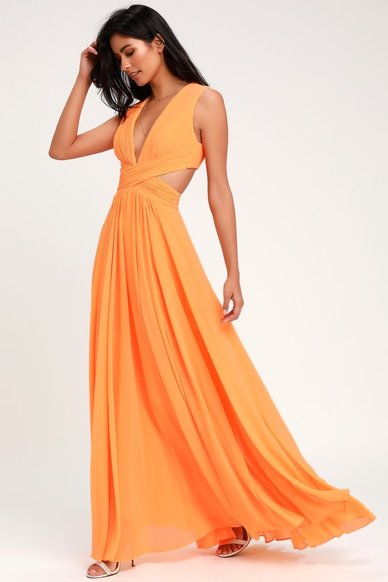 335916e9bf Even your wildest dreams can come true in the Lulus Vivid Imagination  Bright Orange Cutout Maxi Dress! Pleated chiffon sweeps into a plunging V- neckline and ...