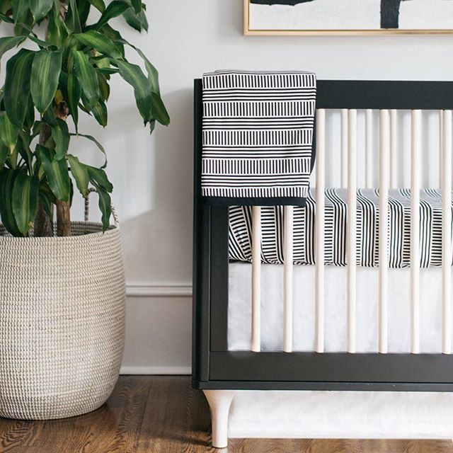 Black And White Will Never Go Out Of Style Modern Baby Bedding Black Crib Nursery White Baby Bedding