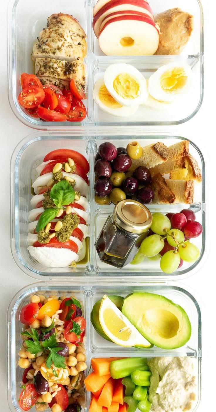 5 Easy and Healthy Lunch Box Ideas for everyone! These make-ahead lunch recipes are perfect for a work lunch and great as real food on the go. Save money and eat healthily! There are recipes for everyone: vegan, vegetarian, protein-packed and low carb options!
