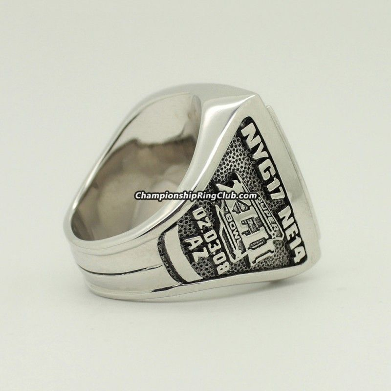 2007 New York Giants Super Bowl XLII Championship Ring.Best gift from www.championshipringclub.com for Giants fans. Custom your own ring now!