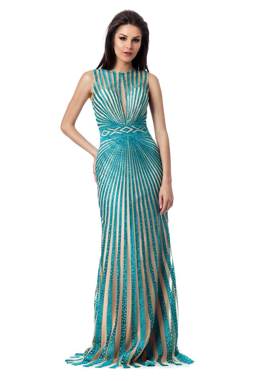 639a092056 Vestido longo com com abertura nas costas e listras bordadas com pedras.  Valor de varejo