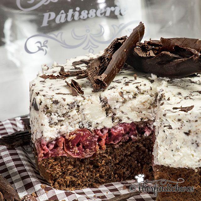 Stracciatella Torte Mit Kirschen Und Leckeren Biskuitboden Kuchen Und Torten Kuchen Mit Kirschen Kuchen Und Torten Rezepte