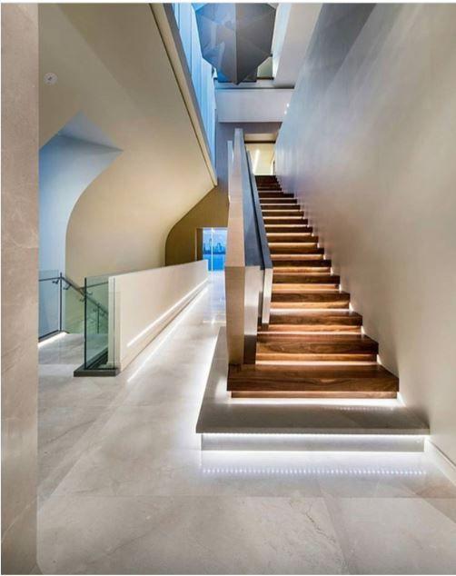 pin de jose jerves en stairs treppe beleuchtung y innenarchitektur. Black Bedroom Furniture Sets. Home Design Ideas