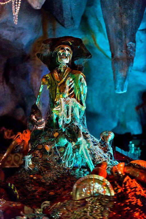#Disneyland Paris.the Pirates of the Caribbean in Adventureland #DLP #DLRP #Disney POTC