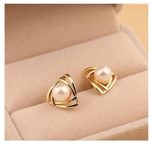 df33d1c526a3 Encontrar Más Pendientes Cortos Información acerca de 2015 nuevo diseño de  la marca moda aretes de perla elegante para mujer chapado en oro piercing  ...