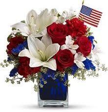 Pin By Elizabeth Bunn On Event Decor White And Blue Flowers Patriotic Decorations Flower Arrangements