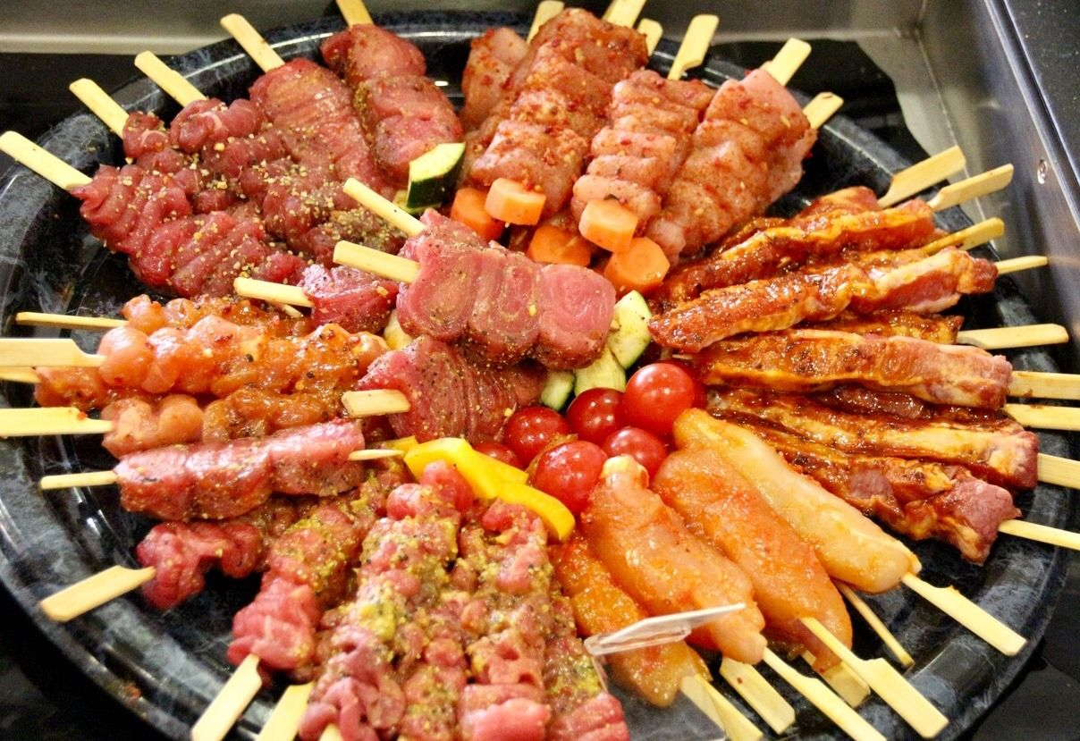 Das Grillfleisch — barbecue meats, seasoned and ready to go - #barbecue #bbq #essen #fleisch #food #german #grillen #grillsaison #meat #seasonal #summer