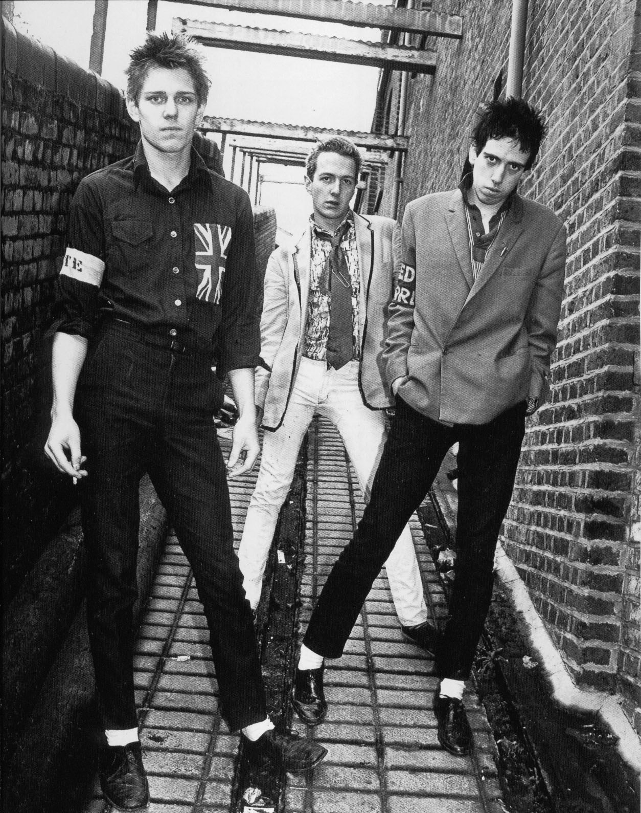 The Clash, 1976. Seventies / 1970s music   music..nonstop ...
