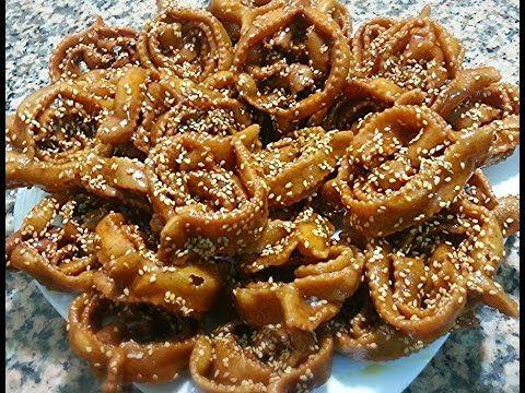 حلوة الشباكية بطريقة جديدة اقتصادية وتدوب في الفم رااااااائعة حلويات رمضان Cooking Recipes Sesame Cookies Food