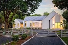 Contemporary Farmhouse Landscaping