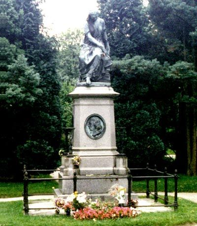 Wolfgang Amadeus Mozart 1756 1791 Find A Grave Photos Unusual Headstones Famous Tombstones Famous Graves
