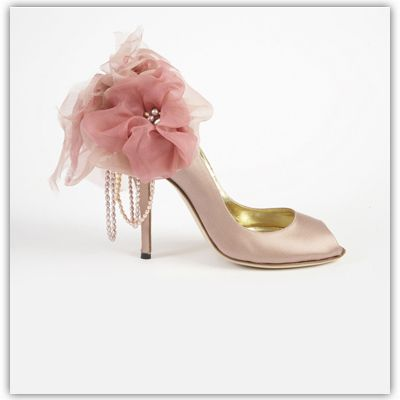 5 quirky wedding shoes