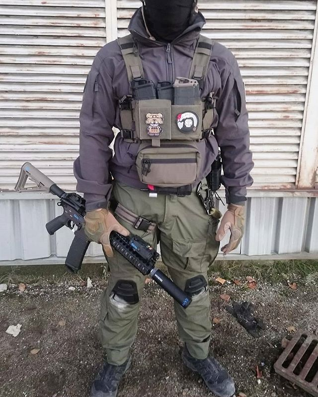 cfad8b875c4 ... from @g_vt75 - Civil loadout : - combat pant ranger green TMC - micro  chest rig ranger green TMC Shop here: www.weapon762.com #so… | Airsoft |  Ropa …