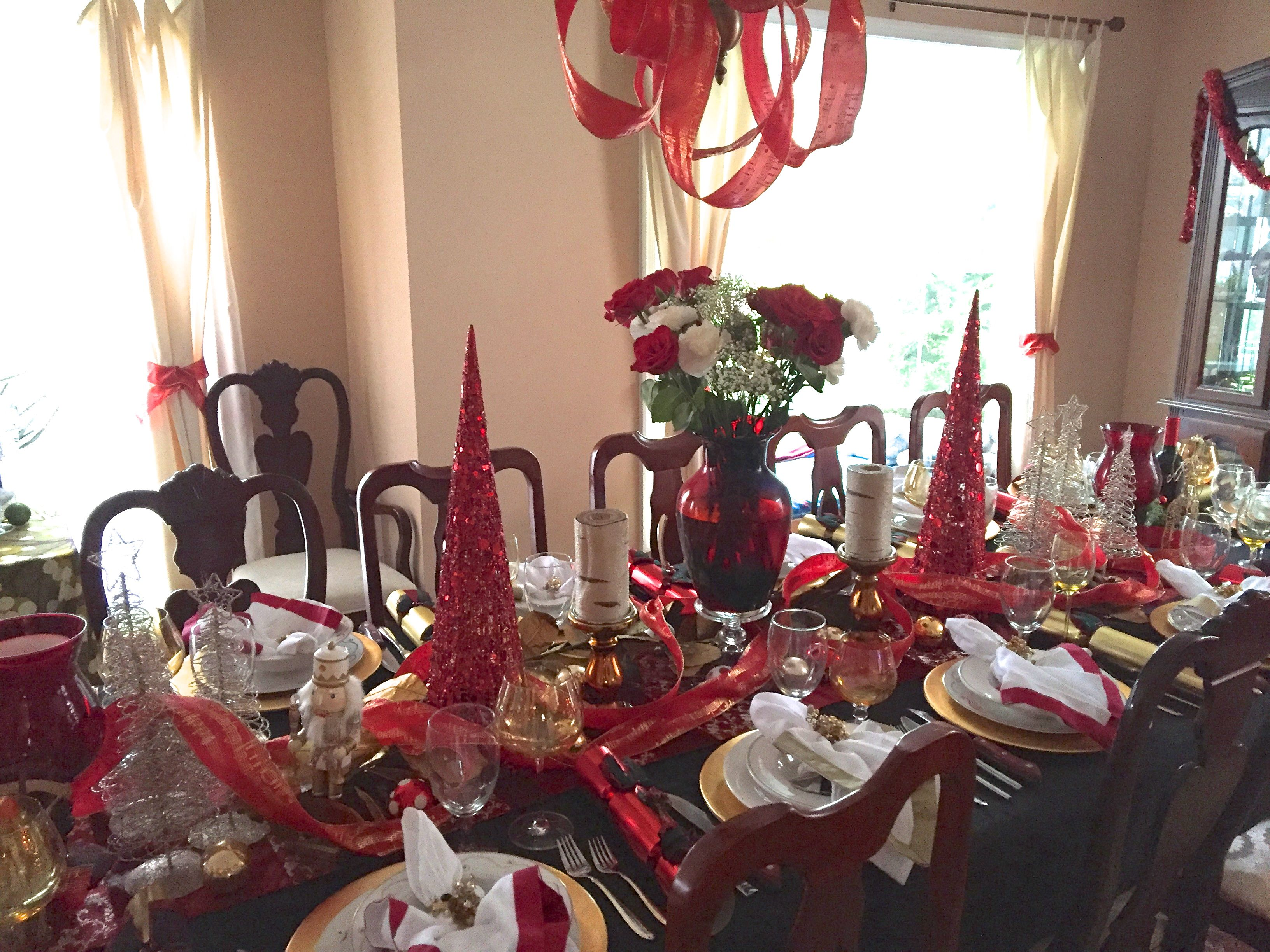 Christmas Table Gold Red On Black Black Dining Room Christmas Table Dining Room