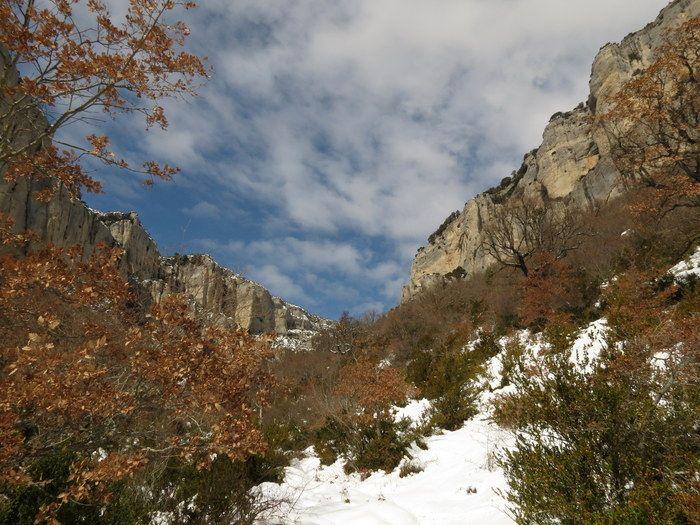 #BasilicaSantiagoLokiz    en invierno nevado  #ParqueNaturalLokiz #TurismoNavarra  #EstellaLizarra  #TurismoEstella http://www.casaruralnavarra-urbasaurederra.com