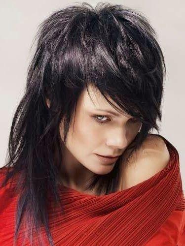 Corte de pelo a capas con flequillo