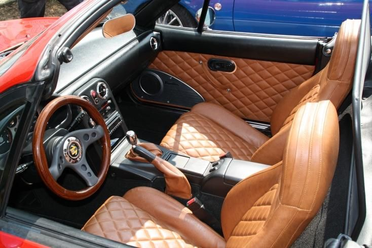 Who has custom interior? Pictures please! [Archive] - MX-5 Miata