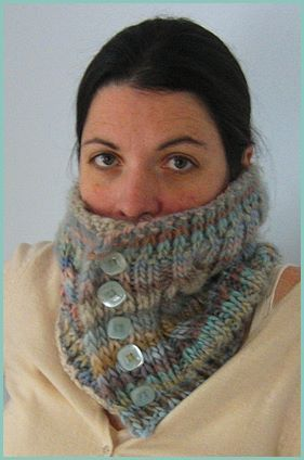 Chunky Mochi Buttoned Cabled Cowl - Crystal Palace Yarns