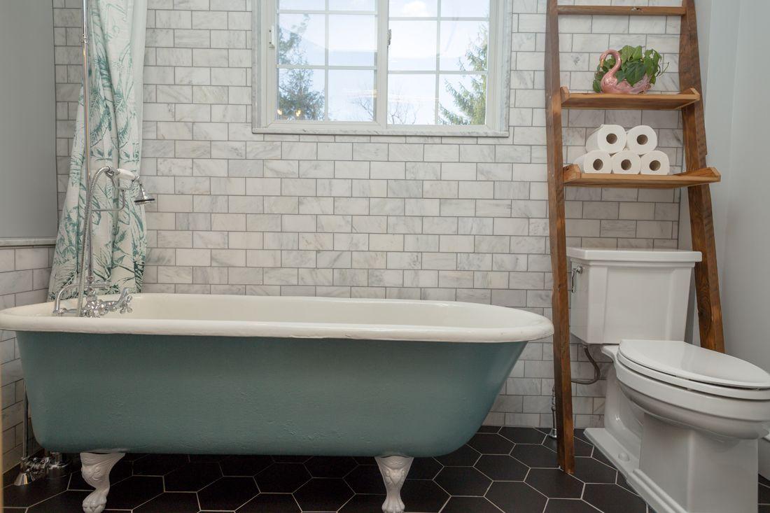 Small bathroom clawfoot tub. Toilet Shelf. | Home Decor Ideas ...