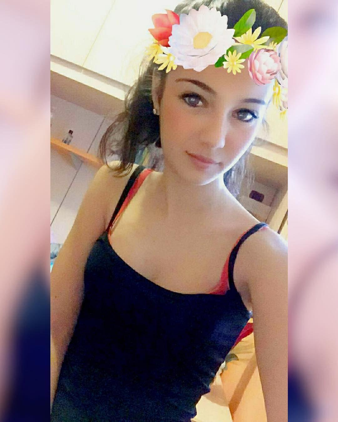 """""""La vera eleganza di una persona si svela tra ciò che fa e ciò che dice"""".  #Snapchat latemperaura . . . #Flowers #Instafollow by ericaasortino"""