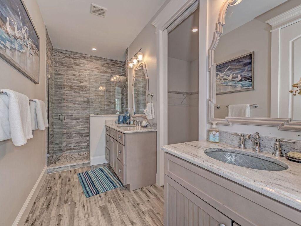 Stunning Coastal Bathroom 5 Bed 4 Bath Heated Pool And Spa Bikes Kayaks Close To Beac Beach Bathroom Decor Mens Bathroom Decor Bathroom Decor Apartment