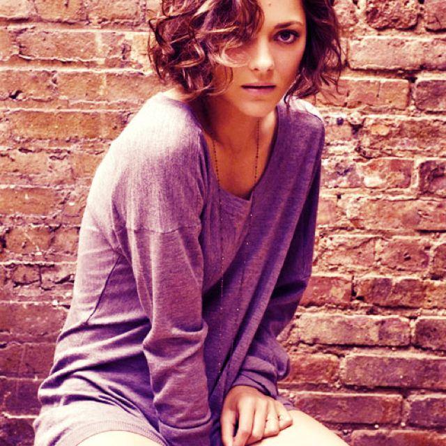 Marion Cotillard short curly hair <3