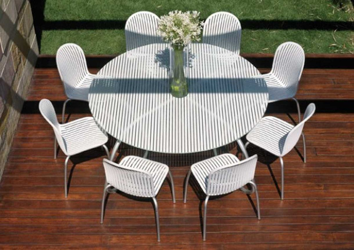white metal outdoor furniture. Contemporary White Outdoor Tables And Chairs \u2013 Loto \u0026 Ninfea From Nardi : 0030 Metal Furniture R