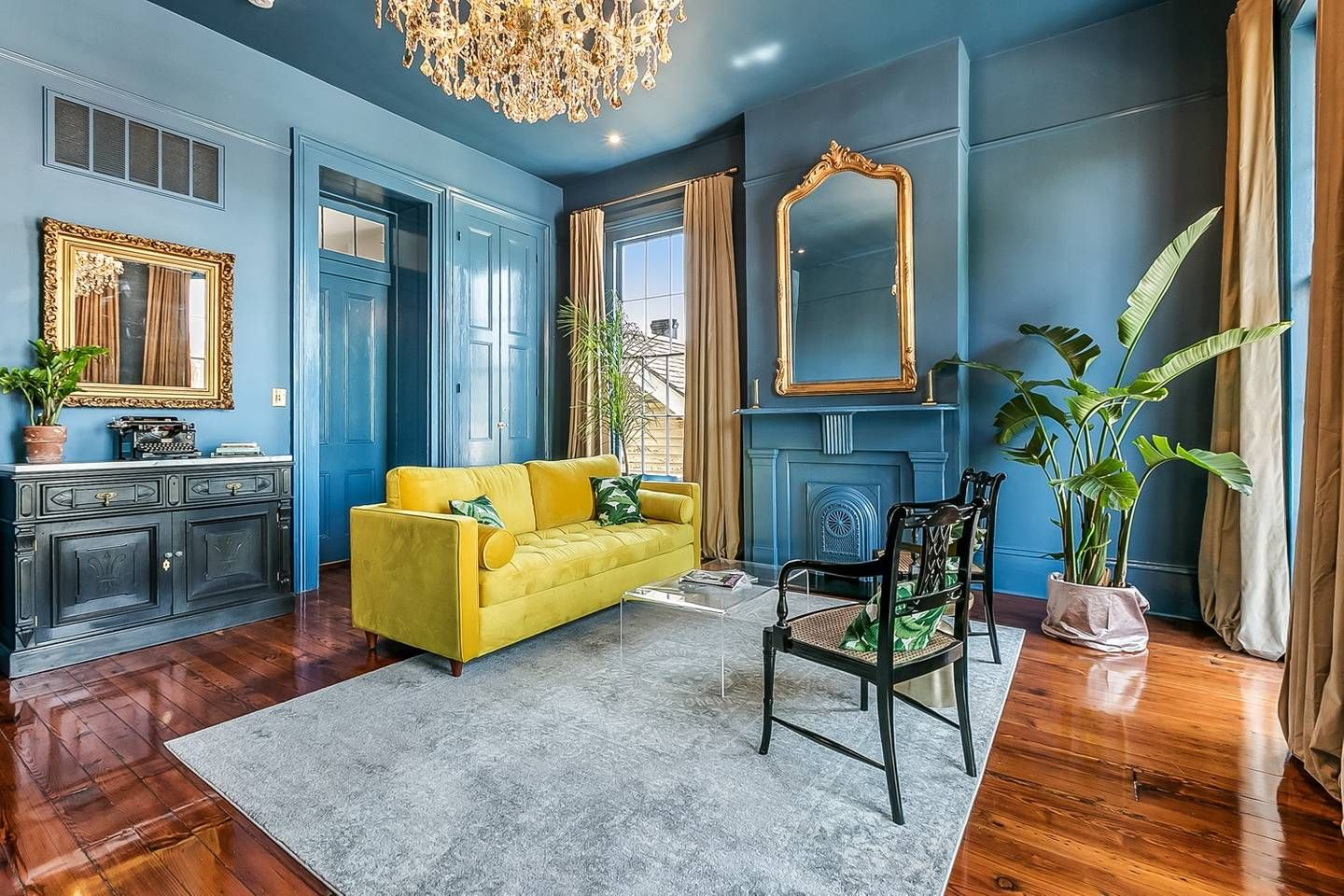 Elegant Flat In Historic Lower Garden District Apartments For