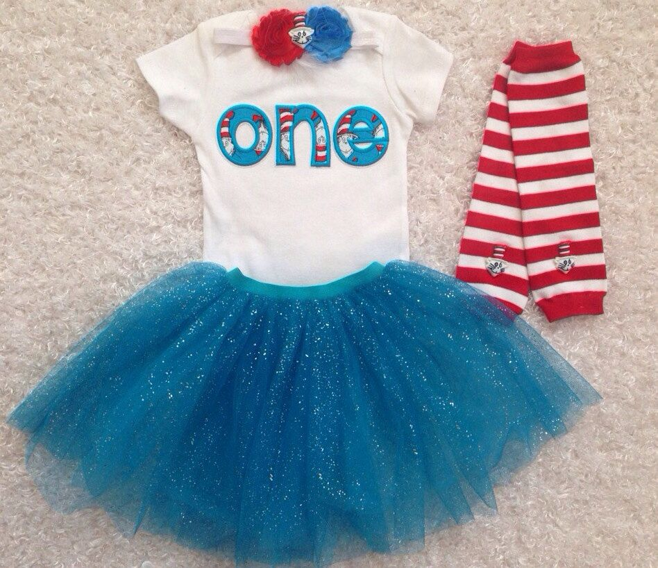 Dr.Seuss/ Cat in the Hat inspired Birthday Tutu por BabyTrendzz, $55,00
