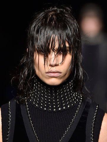 Heavy Metal Hair And Makeup At Alexander Wang In 2020 Metallic Hair Medium Curly Hair Styles Medium Length Hair Styles