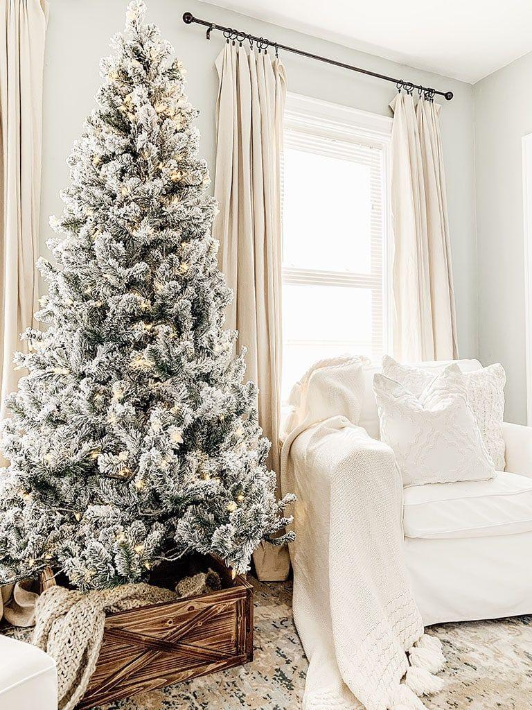 King Of Christmas Tree Cool Christmas Trees Best Christmas Tree Decorations Christmas Tree Inspiration