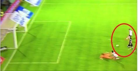 Insuperable fallo de Saviola - Javier Saviola no atraviesa su mejor momento. Con River Plate falló una opción de gol que, en sus mejores épocas, era gol seguro.  Increíble lo ...