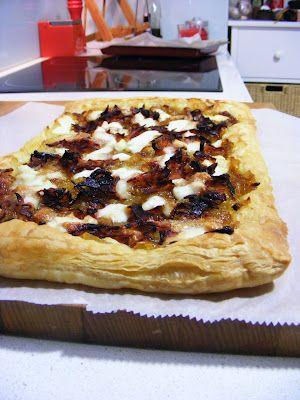 http://materiadossonhos.blogspot.pt/2012/06/tarte-de-bacon-e-cebola.html