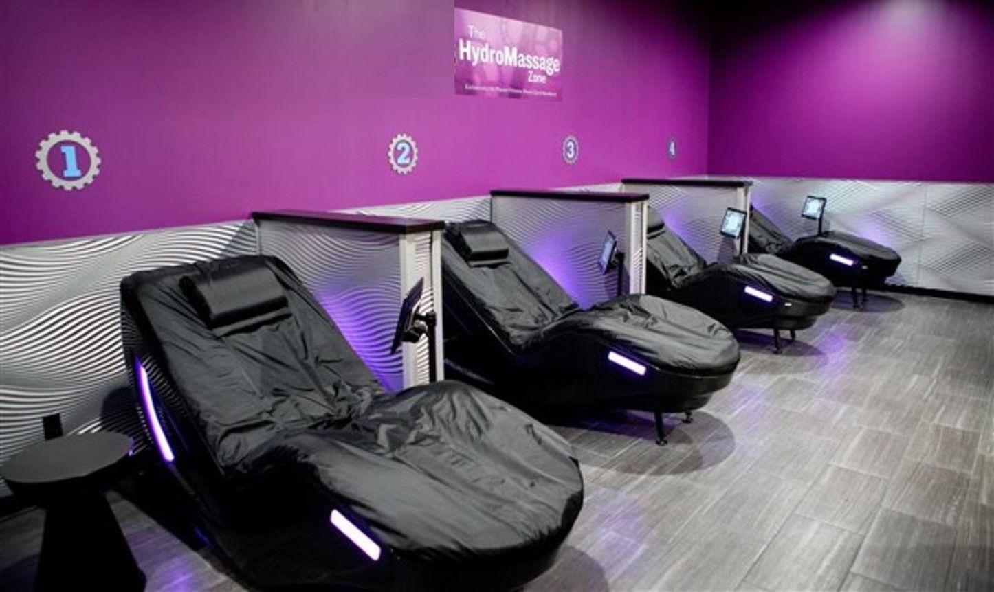 fitness club with four lounges | fitness centers with hydromassage
