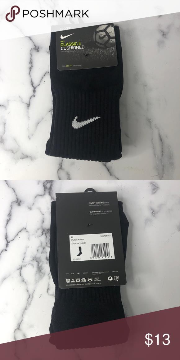 Nwt Nike Classic Cushioned Soccer Socks Nwt In 2020 Soccer Socks Nike Classic Athletic Socks
