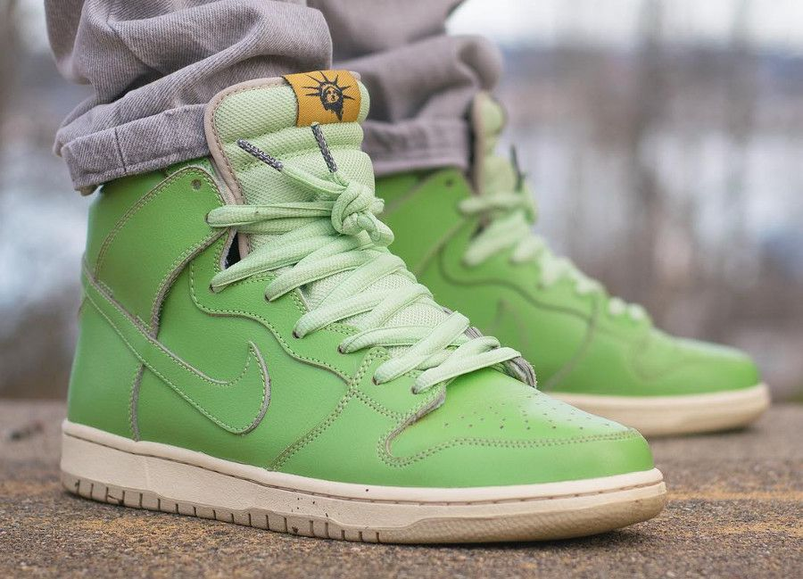 separation shoes 32015 d3220 Nike Dunk High Pro SB Statue of Liberty | Nike Shoes in 2019 ...