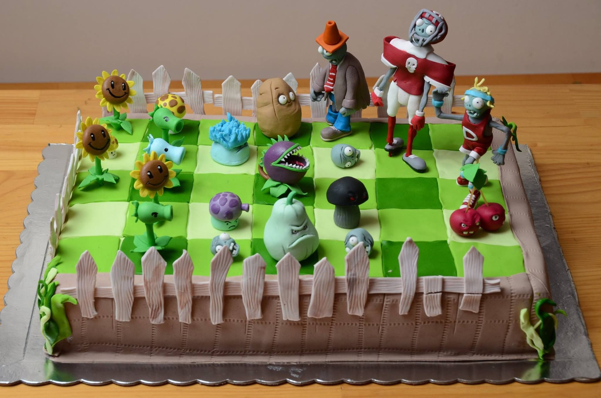 Photo Of Plants Vs Zombies Cake For Fans Of Plants Vs