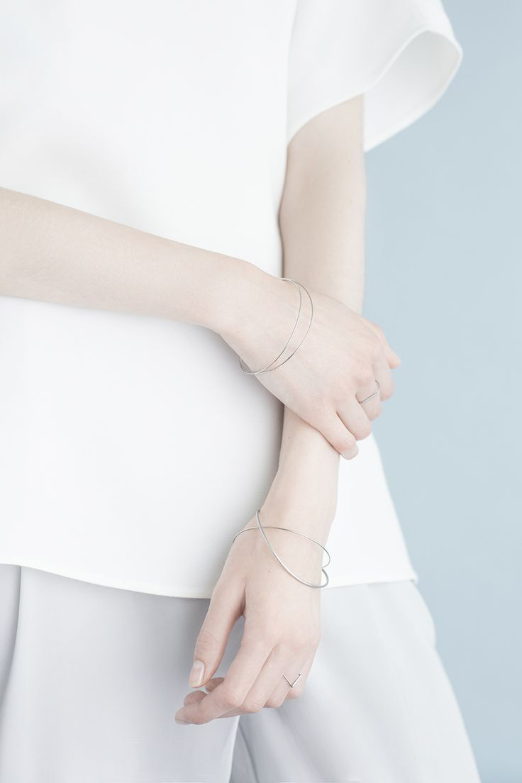 Pose - closer   Arch Line Collection — Minimalissimo| @andwhatelse