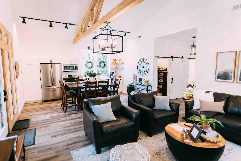 Ivy Cottage Hocking Hills Barndominium Cabins for