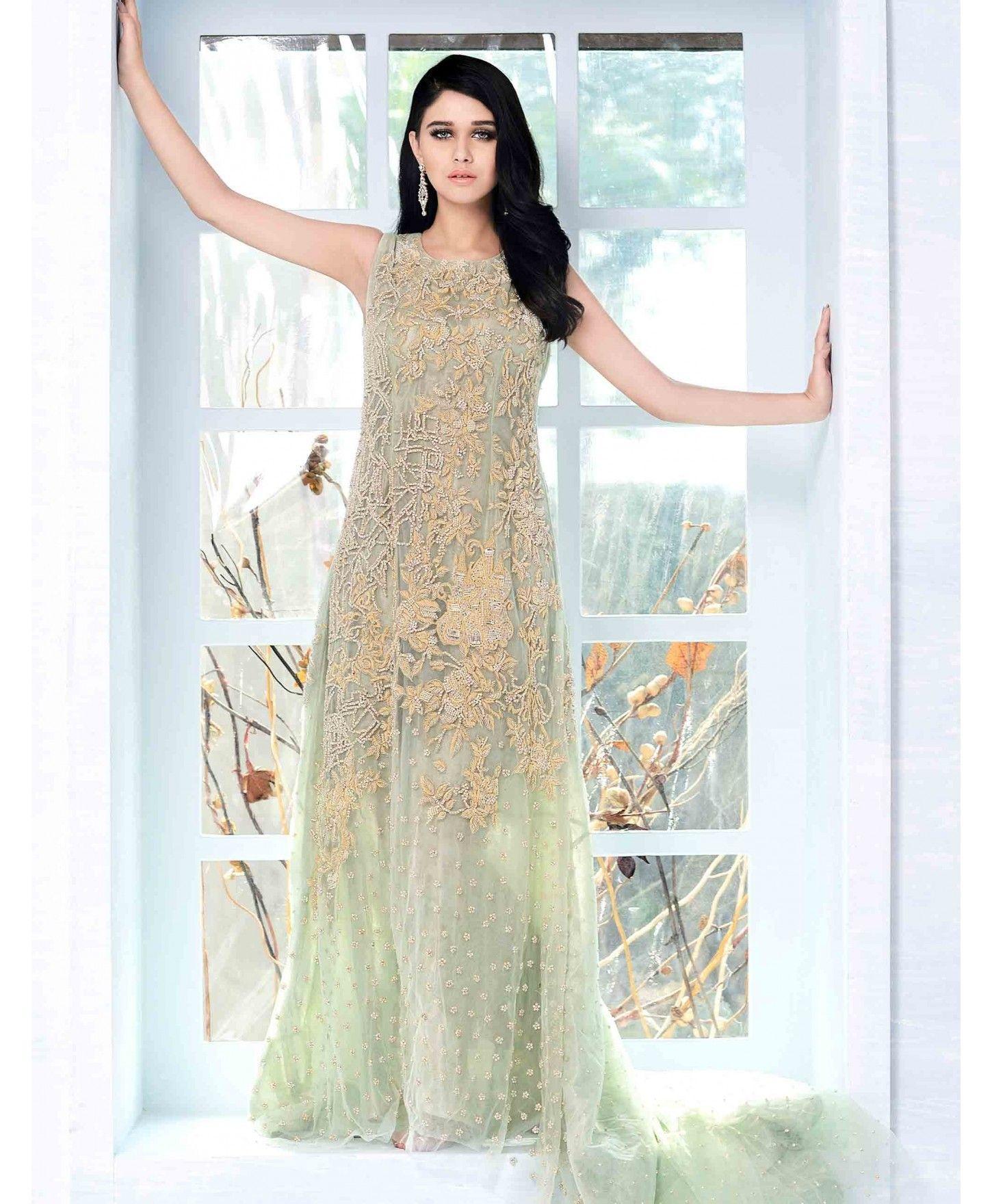 Beautiful and ravishing mint green Pakistani wedding dress by Cartes