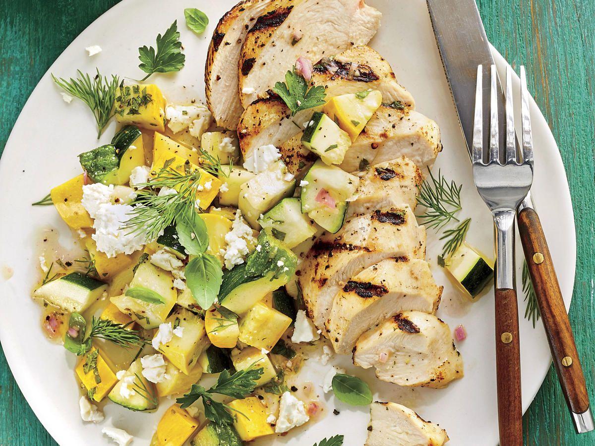 Poulet grillé avec salade de courge marinée rapidement
