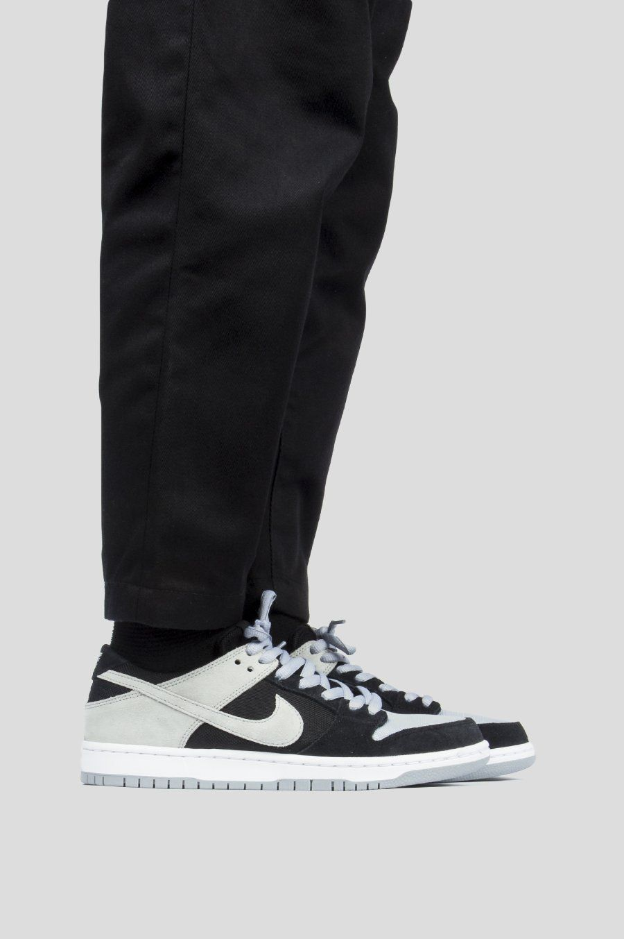 best service 4cd84 5ca31 NIKE SB ZOOM DUNK LOW PRO BLACK WOLF GREY WHITE