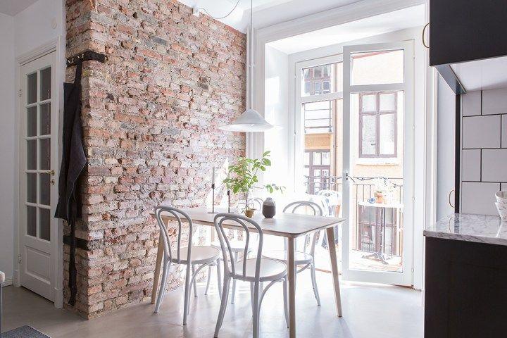 Revestimientos de cocina ladrillo visto, cemento pulido, mármol