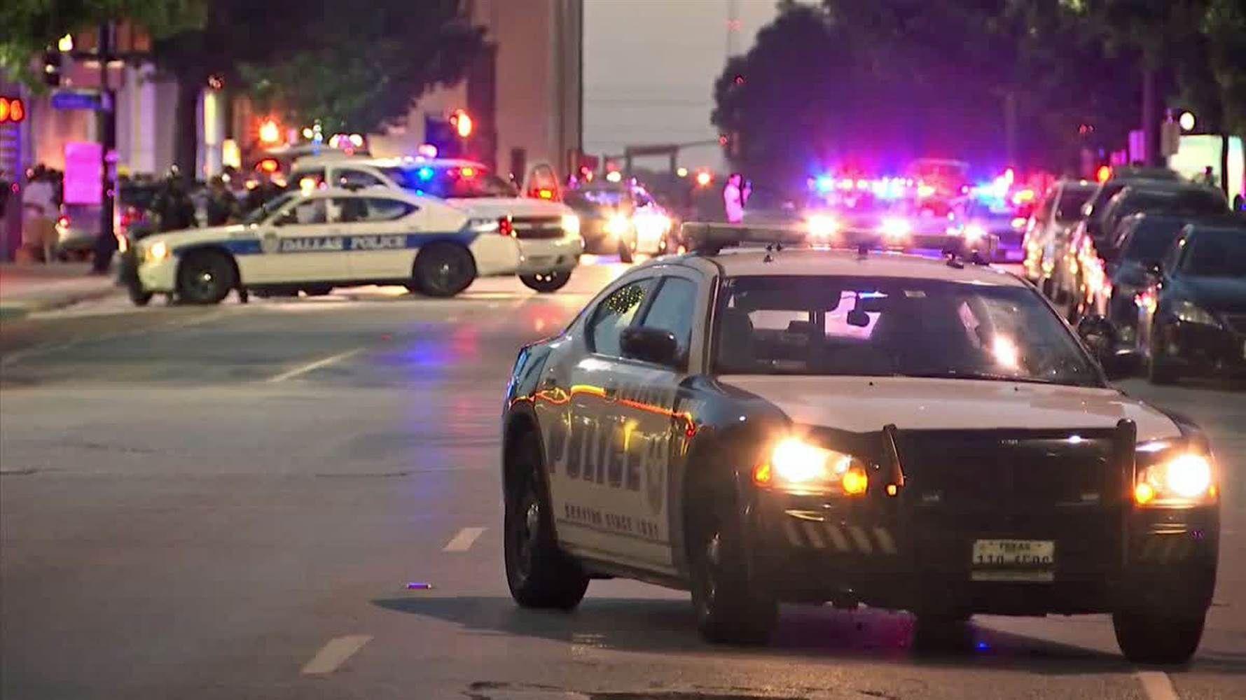 Dallas Police Ambush 12 Officers Shot 5 Killed During Protest Police Officer Shot Dallas Police Dallas Police Shooting